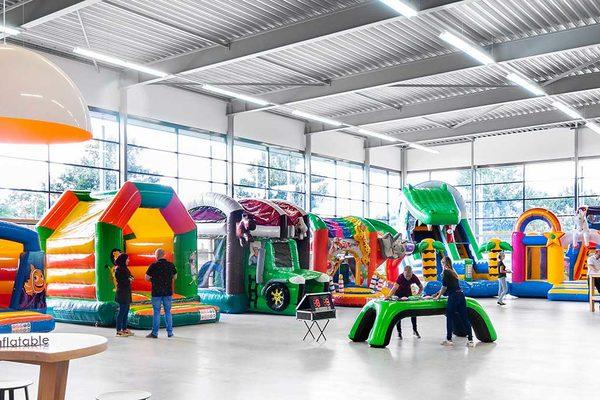 JB Inflatables; Springkussen fabrikant Meppel, koop springkussens en inflatables online