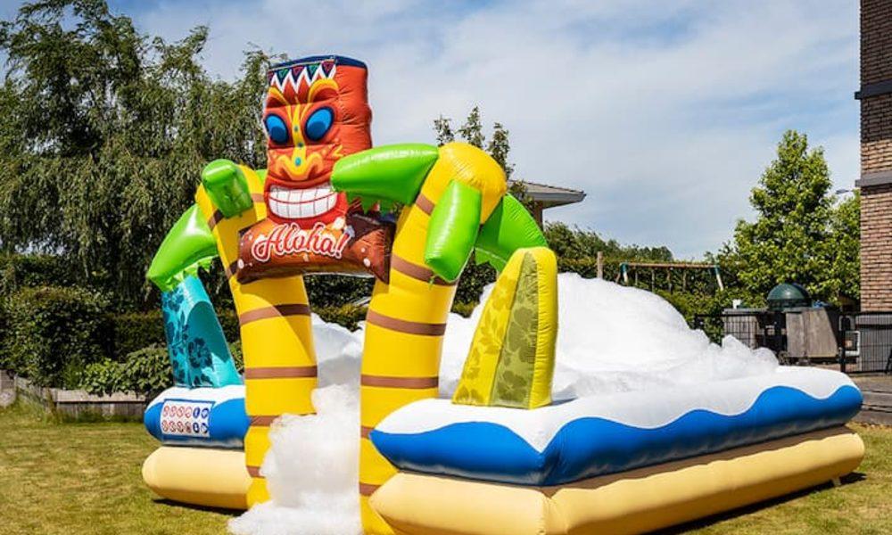 Gonfiabile boarding per feste con schiuma con il tema Hawaii