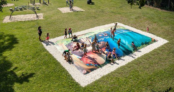 Airmountains Kopen; Standaard of Maatwerk AirTrampolines van JB Inflatables voor campings, zwembaden of airtrampolines voor horeca