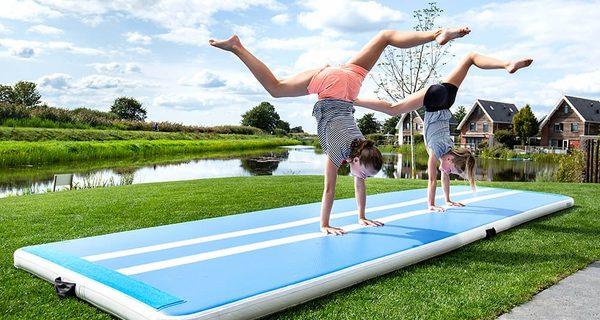Professionele Airtracks en Airtracks voor Thuis Kopen Online bij JB Inflatables. Opblaasbare Gymmatten in Roze en Blauw