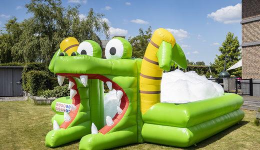 Opblaasbaar schuim bubble park in krokodil thema kopen voor kinderen