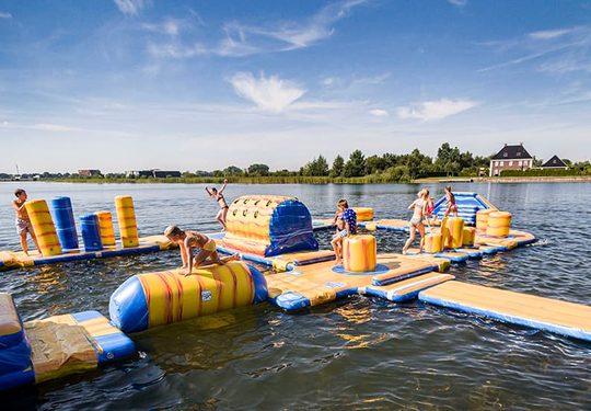 Dé Springkussen groothandel van Nederland. Koop springkussens en inflatables online