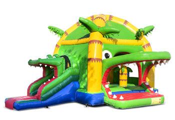 Opblaasbaar overdekt multifun super springkussen met glijbaan kopen in thema krokodil voor kinderen. Bestel springkussens online bij JB Inflatables Nederland