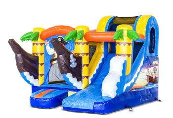 Klein overdekt opblaasbaar multiplay springkussen met glijbaan kopen in thema piraat voor kids. Bestel opblaasbare springkussens online bij JB Inflatables Nederland