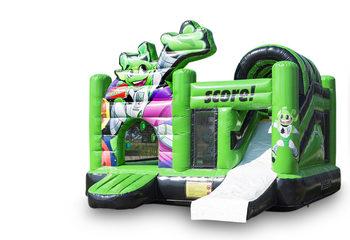 Opblaasbaar open groen multiplay springkussen met glijbaan kopen in thema interactief voor kinderen. Bestel opblaasbare springkussens online bij JB Inflatables Nederland