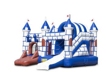 Overdekt opblaasbaar multiplay springkussen met glijbaan kopen in thema blauw wit kasteel voor kinderen. Bestel opblaasbare springkussens online bij JB Inflatables Nederland