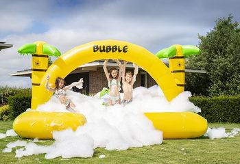JB Bubbles opblaasbaar open springkussen met schuim bestellen in thema Jungle voor kinderen. Koop opblaasbare springkussens online bij JB Inflatables Nederland
