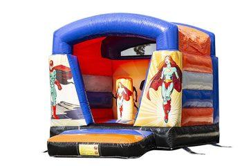 Klein overdekt springkussen te koop in thema superhelden voor kinderen. Koop springkussens online bij JB Inflatables Nederland