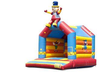 Standaard circus springkussen voor kinderen kopen met zittende clown als 3D object aan de bovenkant. Koop springkussens online bij JB Inflatables Nederland
