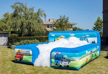 Opblaasbaar open bubble boarding springkussen met schuim te koop in thema auto cars voor kinderen