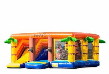 Groot opblaasbaar multiplay springkussen met glijbaan kopen in thema indoor piraat voor kinderen. Bestel springkussens online bij JB Inflatables Nederland