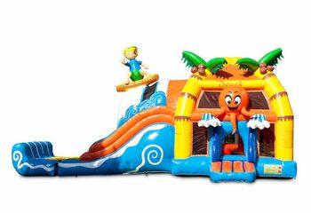 Groot opblaasbaar overdekt multiplay super springkussen met glijbaan kopen in thema beach strand voor kinderen. Bestel springkussens online bij JB Inflatables Nederland