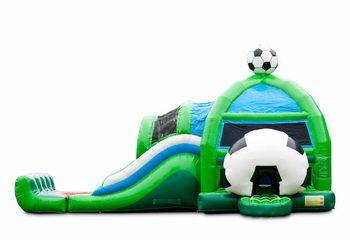 Groot opblaasbaar overdekt multiplay super springkussen met glijbaan kopen in thema voetbal voor kinderen. Bestel springkussens online bij JB Inflatables Nederland