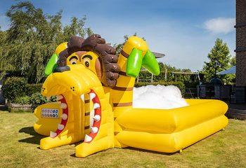 Opblaasbare schuim bubble park in thema leeuw bestellen voor kids