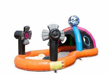 Opblaasbaar halfopen play fun springkussen kopen in thema playzone disco voor kinderen. Bestel springkussens online bij JB Inflatables Nederland