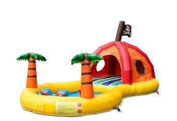 Groot opblaasbaar halfopen play fun springkussen met zwembad kopen in thema playzone piraat pirate voor kinderen. Bestel springkussens online bij JB Inflatables Nederland