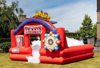 Opblaasbare schuim bubble park in thema rollercoaster bestellen voor kinderen