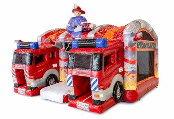 Groot overdekt opblaasbaar multiplay luchtkussen met glijbaan kopen in thema brandweer voor kinderen. Bestel luchtkussens online bij JB Inflatables Nederland