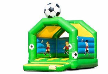 Standaard springkussens kopen in opvallende kleuren met bovenop een groot 3D voetbal object voor kinderen. Bestel springkastelen online bij JB Inflatables Nederland