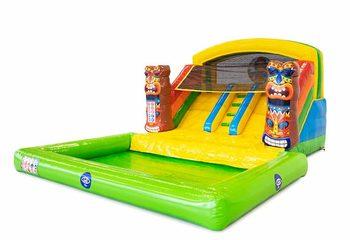 Opblaasbaar springkussen met dubbele glijbaan en waterbadje kopen in thema Hawaï voor kinderen bij JB Inflatables Nederlands. Bestel springkussens bij JB Inflatables Nederland