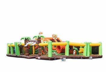 Opblaasbaar mega springkussen in jungle thema kopen voor kinderen. Bestel springkussens online bij JB Inflatables Nederland