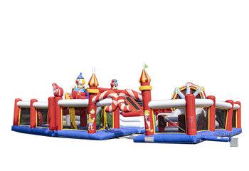 Groot opblaasbaar springkussen in circus thema kopen voor kinderen. Bestel springkussens online bij JB Inflatables Nederland