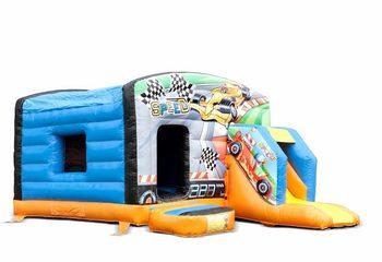 Klein overdekt opblaasbaar multiplay springkussen met glijbaan kopen in thema auto voor kinderen. Bestellen springkussens online bij JB Inflatables Nederland