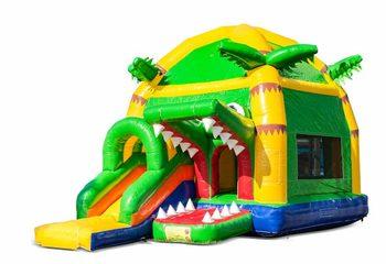 Opblaasbaar overdekt maxifun geel groen springkussen kopen in thema super krokodil voor kinderen. Bestel springkussens nu online bij JB Inflatables Nederland