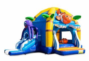 Opblaasbaar overdekt multifun super springkussen met glijbaan kopen in thema nemo seaworld voor kinderen. Koop springkussens online bij JB Inflatables Nederland