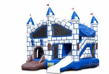 Opblaasbaar overdekt multiplay springkussen met glijbaan kopen in thema kasteel voor kinderen. Bestel opblaasbare springkussens online bij JB Inflatables Nederland