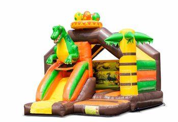 Opblaasbaar slide combo springkussen met groene dinosaurus kopen voor kinderen. Bestel springkussens in dinosaur thema bij JB Inflatables Nederland