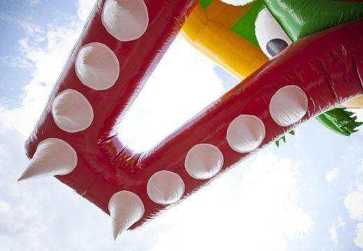 Multiplay krokodil luchtkussen met een glijbaan, leuke objecten op het springvlak en opvallende 3D objecten kopen voor kids. Bestel opblaasbare luchtkussens online bij JB Inflatables Nederland