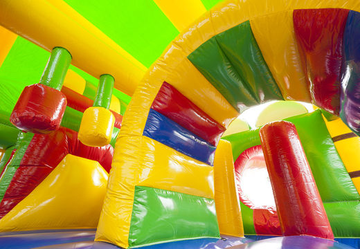Bestel medium opblaasbare superheld springkasteel met glijbaan voor kinderen. Koop opblaasbare springkastelen online at JB Inflatables Nederland