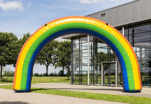 Koop een 9x6m opblaasbare start boog in regenboog kleur online bij JB Inflatables Nederland. Bestel nu opblaasbare reclamebogen in standaard kleuren en afmetingen