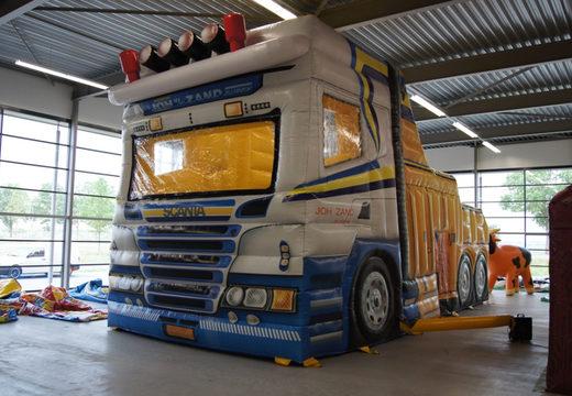 Vrachtwagen beurs tent 1