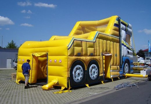 Vrachtwagen beurs tent 3
