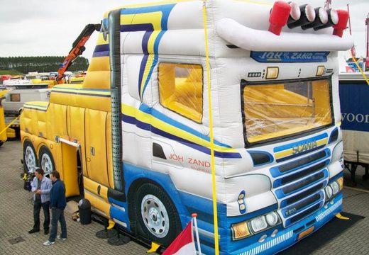Vrachtwagen beurs tent 4