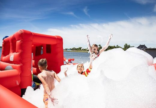 Opblaasbaar open bubble boarding park luchtkussen met schuim kopen in thema brandweer voor kinderen