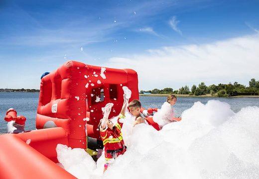 Opblaasbaar open bubble boarding park springkasteel met schuim kopen in thema brandweer voor kinderen