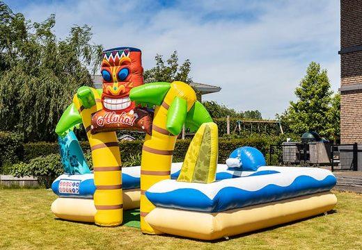 Groot opblaasbaar open bubble boarding park luchkussen met schuimkraan kopen in hawaii thema voor kids. Bestel opblaasbare luchkussens bij JB Inflatables Nederland