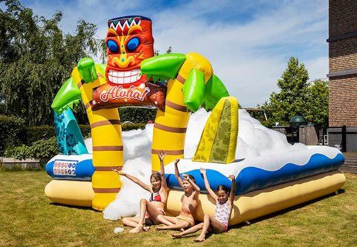Bubble Park in thema Hawaii voor kinderen bestellen. Koop opblaasbare springkussens online bij JB Inflatables Nederland