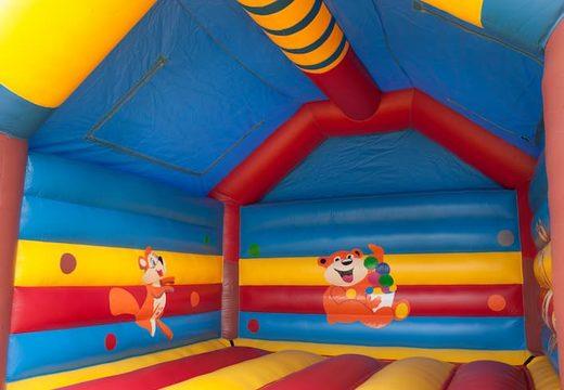 Groot overdekt springkussen kopen in thema aap voor kinderenGroot overdekt springkasteel kopen in thema aap voor kinderen. Koop springkastelen online bij JB Inflatables Nederland