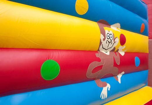 Super springkasteel overdekt kopen met vrolijke animaties in aap thema voor kinderen. Koop springkastelen online bij JB Inflatables Nederland