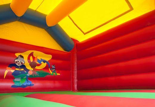 Groot springkasteel overdekt kopen met vrolijke animaties in brandweer thema voor kinderen. Koop springkastelen online bij JB Inflatables Nederland