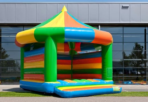 Groot carrousel springkasteel overdekt kopen voor kinderen. Koop springkastelen online bij JB Inflatables Nederland