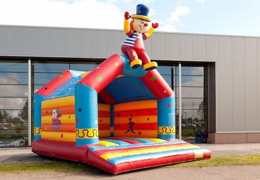 Super springkasteel overdekt kopen met vrolijke animaties in clown thema voor kinderen. Koop springkastelen online bij JB Inflatables Nederland