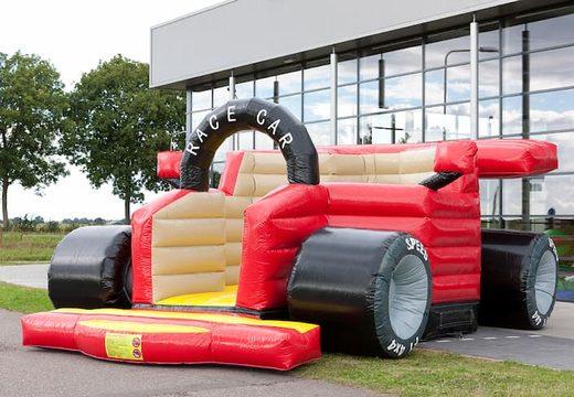 Super springkussen kopen in de vorm van een echte formule 1 racewagen voor kinderen. Koop springkussen online bij JB Inflatables Nederland
