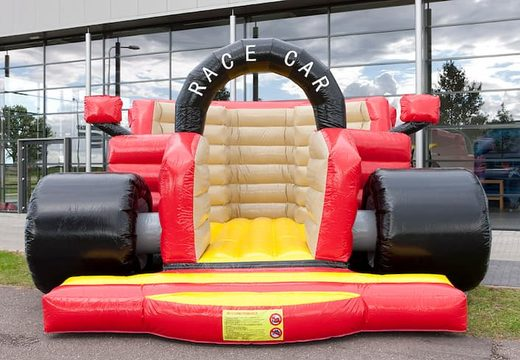 Groot springkasteel kopen in de vorm van en een echte formule 1 racewagen voor kinderen. Koop springkastelen online bij JB Inflatables Nederland