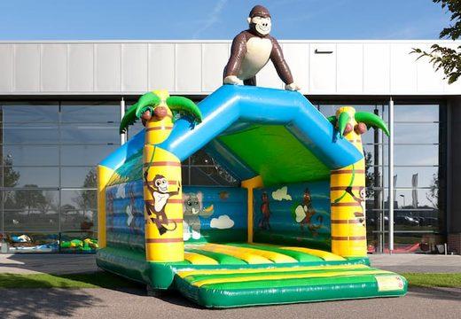 Jungle met gorilla super springkussen overdekt kopen met vrolijke animaties voor kinderen. Koop springkussens online bij JB Inflatables Nederland