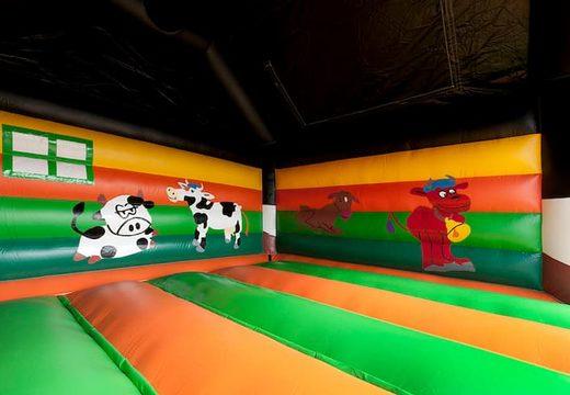 Groot luchtkussen overdekt kopen in koetje thema voor kinderen. Bestel luchtkussens online bij JB Inflatables Nederland